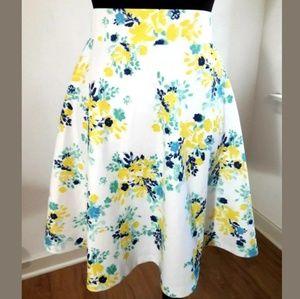 Torrid White/Multi Floral Skater Skirt Size 1